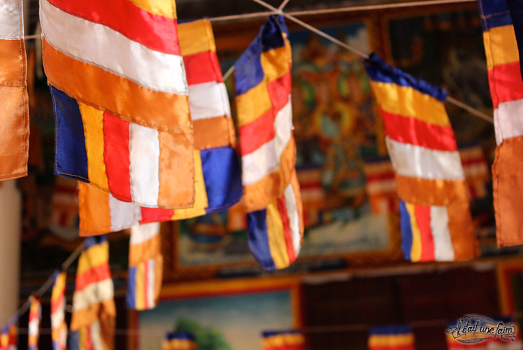 Drapeau bouddhiste laos temple